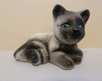 Cat Figurine, Blue eyed Beauty, Made in China