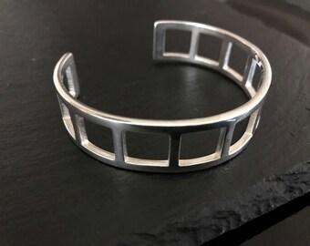 Gucci bracelet, Authentic Gucci silver bracelet, vintage Gucci bangle bracelet, Gucci sign statement bracelet