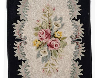 Hand made antique American hooked rug 2.3' x 3.8' ( 71cm x 115cm ) 1900s