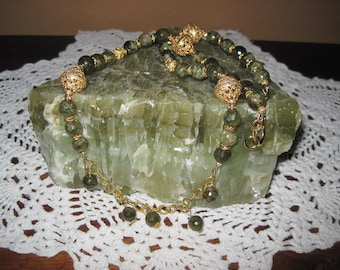 Green Garnet With Large Gold Beads Necklace