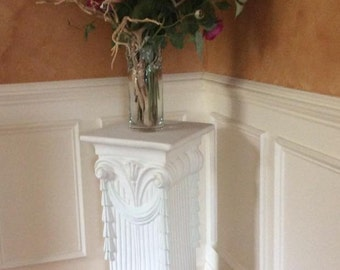 Pedestal / Side Table / Plant Stand