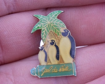 Penguins pin, animal brooch, penguin brooch, vintage, penguin jewelry, retro,metal,cool,vintage pin, collector, gift, gift idea