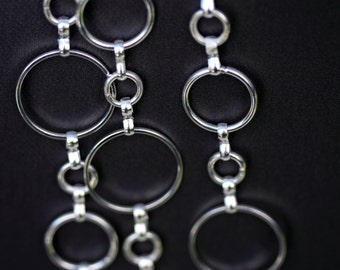 Lanyard -- Chain lanyard -- Elegant silver chain -- Badge holder -- Professional:  Silver Bubbles (Model 685)