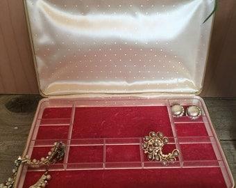 Vintage Countess by Farrington Ivory Jewelry Case - retro mid-century kitsch