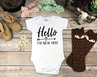 Hello I'm New Here Onesie in Black Pink or Blue baby take home outfit newborn hospital outfit Baby Shower Gift Baby Boy Baby Girl Gift Onsie