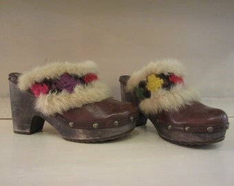 Hooves vintage leather, fur, and crochet. Style 70 s