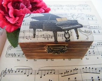 Wooden jewelry box with piano and notes , small shabby chic box for musicians, OOAK art box, rustic grand piano box, gift for music teacher