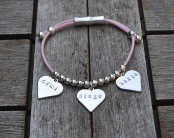 Bracelet 3 engraved hearts and cotton lace