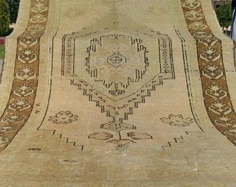 "Antique Ca1900-1939s 4''6""×9' Ivory-Gold Colors Wool Pile Ushak Rug"