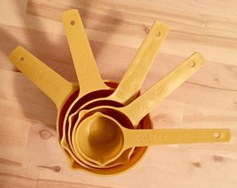 Vintage Lustro Ware Harvest Gold Measuring Cups (set of 5)