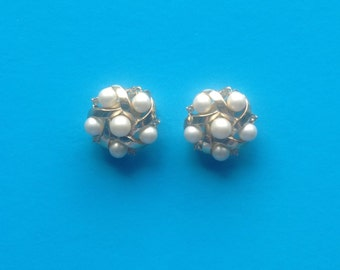 Pair Gold Pearl Clip Earrings Signed Trifari Faux Pearls And Rhinestones Wedding Jewellery