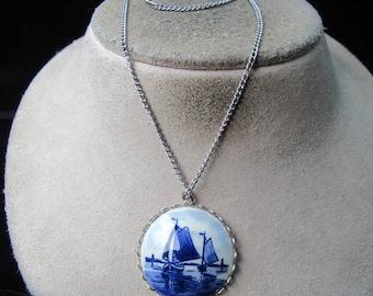 Vintage Silvertone Delft Holland Pendant Necklace