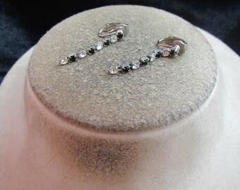 Vintage Pair Of Clear & Black Rhinestone Clip Dangle Earrings