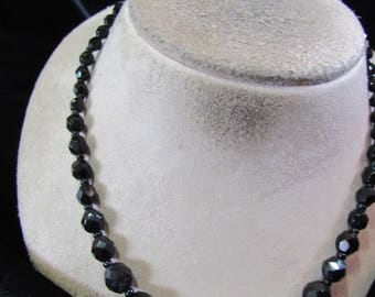 Vintage Graduated Black Glass Beaded Necklace