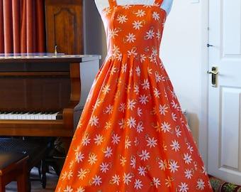 Striking Laura Ashley Vintage Floral Sundress. Delightful Daisies! Sunshine Bright!