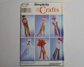 Simplicity Craft Sewing Pattern 8156 Holiday Windsocks