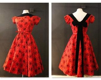 Hello Gorgeous! 1950's Red & black velvet flock taffeta new look dress/ rockabilly