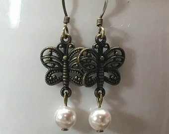 Butterlfy and Pearl earrings