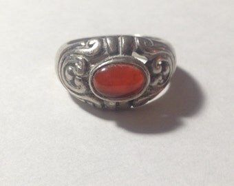 Beautiful sterling silver and red stone ring size 5.5