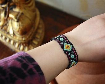 Macrame bracelet Frida