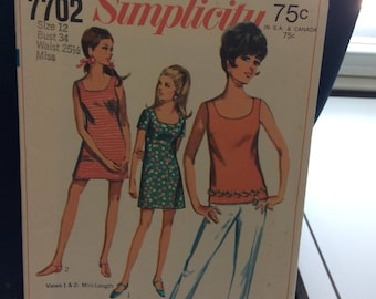 Simplicity 7702