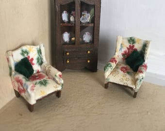 1:48 Quarter Scale Cabinet and Armchairs