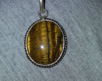 Vintage Tigers/Cats eye Pendant