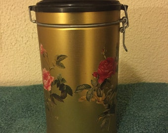 Vintage Very Collectible Breton Biscuit/Storage Tin with Beautiful Rose Motif, Made in France