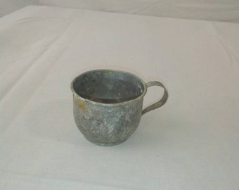 Antique-vintage-childs-aluminum-drinking-cup