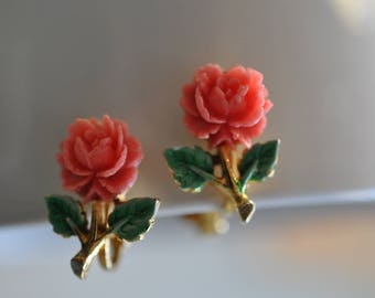 Carved Pink Rose Earrings, Gold Tone, Clip On Earrings, Pink Earrings, Small Clip On Earrings, Floral Earrings, Rose Clip On Earrings, 1002