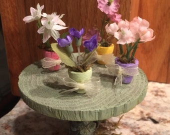 Miniature Easter Plants, Miniature Potted Plants, Easter Plants, Easter Flowers, Dollhouse Flowers, Dollhouse Easter Plants, Fairy Garden