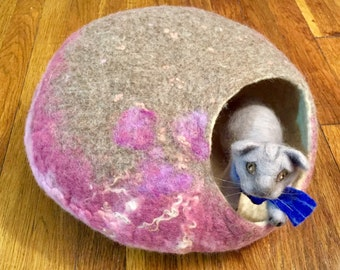 Handmade Felted Cat Cave/  Pink Brown Bed /Wool Cat Cave Bed / Felted Kitties Cave Bed /Cat toys / Cat Bed