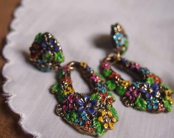 Floral dangle earrings- Spring earrings- light weight