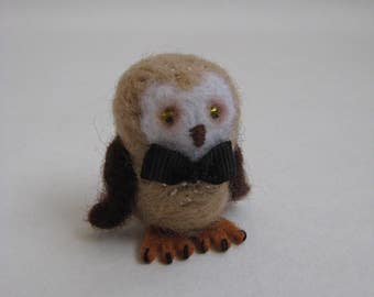 Needle Felted Owl. Felted Miniature Toy.