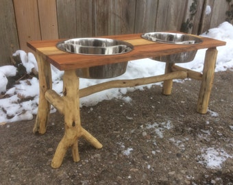 Reclaimed Pallet Wood Dog Bowl Stand
