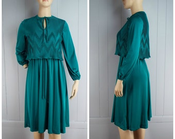 Vintage Women 1970s / 1980s Teal Green Chevron Accordion Pleat Dress with Neck Tie | Size M