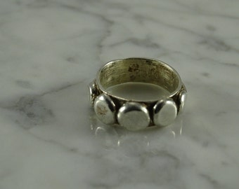 Sterling Silver (Button) Ring size 8.75