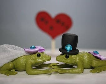 Frog Wedding Cake Topper - Frog Bride and Groom - Animal Cake Topper - Cute Cake Topper - Adorable - Unique Cake Topper - Fairytale Wedding