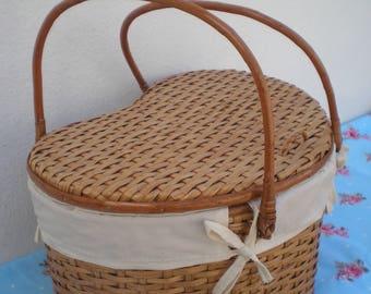 Wicker basket-Wicker Picnic basket-Heart-shaped wicker basket- Wicker baby basket-Baby basket- Sewing basket