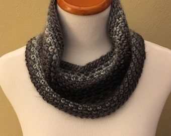Simple Cowl in Black and Gray