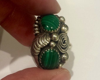 Sterling Silver Ring With Malachite, size 8.5, weight 8 grams