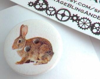 2.5cm Handmade badge, Easter Bunny, Easter Bunny pin, bunny pin, rabbit pin, Easter Bunny pin badge, bunny rabbit, Easter gift, rabbit gift
