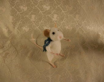 Needle Felted Mouse, felted White Mouse, Little Mouse
