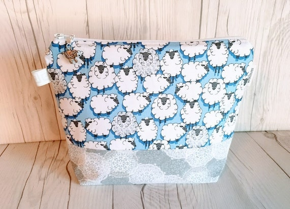 Zippered Knitting Bag : Knitting project bag zippered by quiltknitcraft
