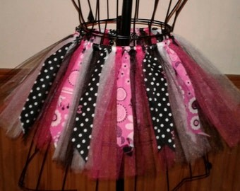 Pink and Black Minnie Mouse fabric and tulle tutu