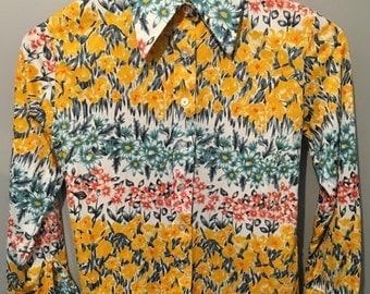 Vintage 1970s Expedition Nylon Floral Shirt Size Medium