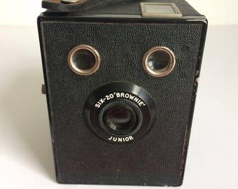 Kodak vintage camera,six-20Brownie junior