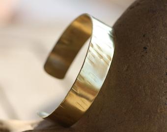 Brass Cuff bracelet/ Hammered Brass bracelet/ Wide cuff bracelet/ Woman's Cuff bracelet/ Unique design Cuff bracelet/ Handmade Brass cuff