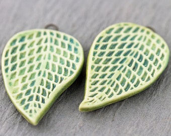 Lilac leaf porcelain pendants|Blue and green mixed glazes