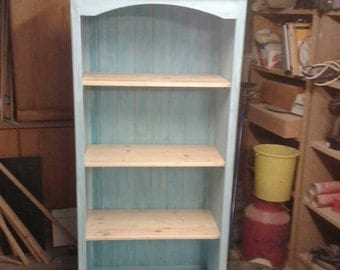 Soft wood Bookshelf in a country house style